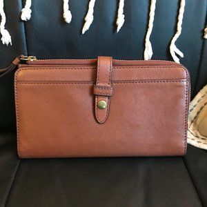 Leather Fossil Fiona clutch (wallet)